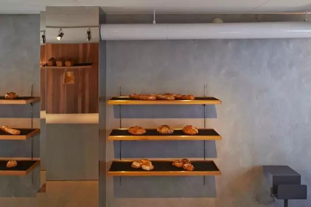 狭长型的宝安面包店装修怎样才能达到舒适美观、独具特色的效果?