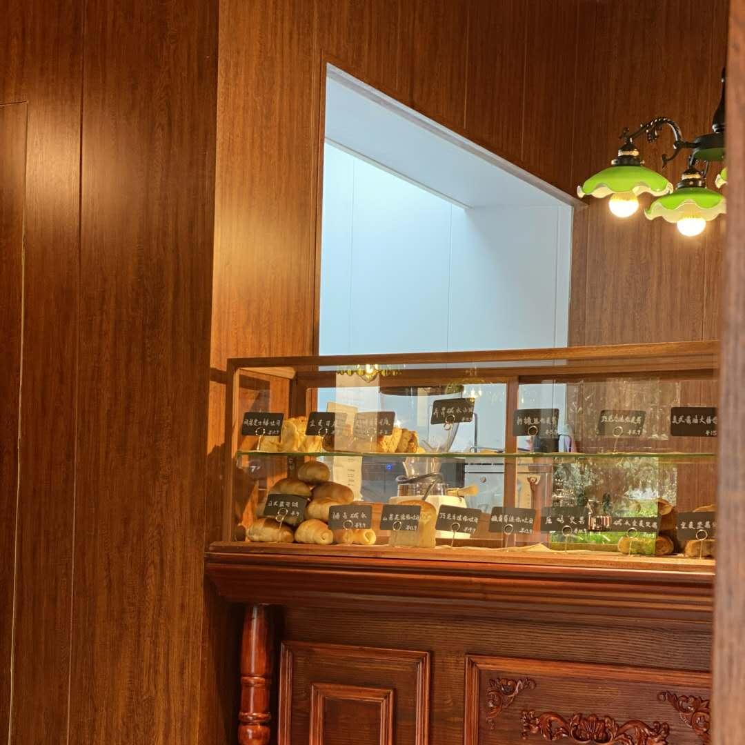 藏在闹市的宝安面包店装修真漂亮!